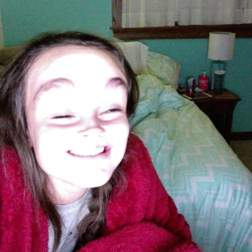 Clara Deleon's avatar