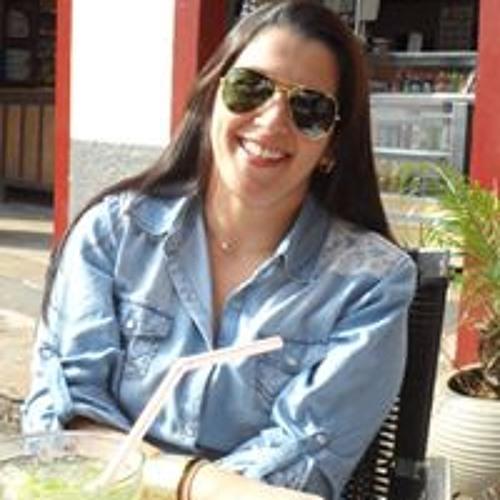 Daniella Gonçalves's avatar