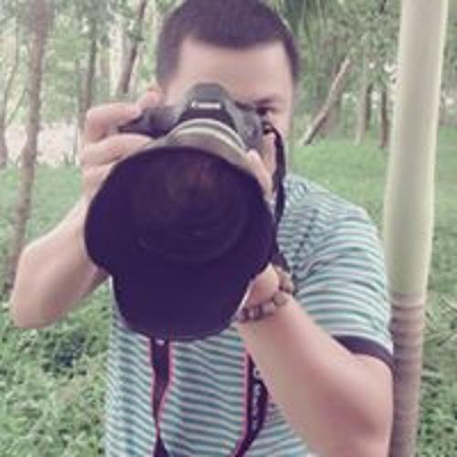 ViKi Pham's avatar