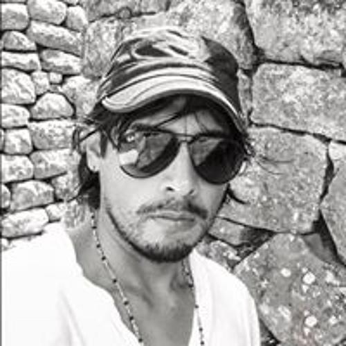 Christopher Esquen's avatar