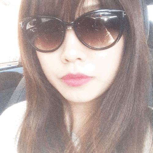 ChloeDu's avatar