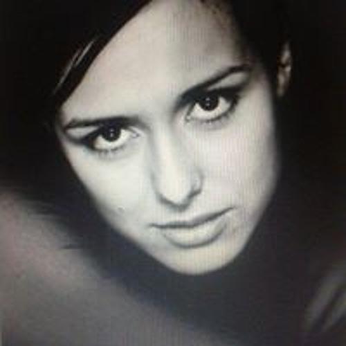 Martha Annamarie's avatar