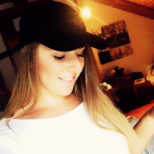 Kathrin Le's avatar