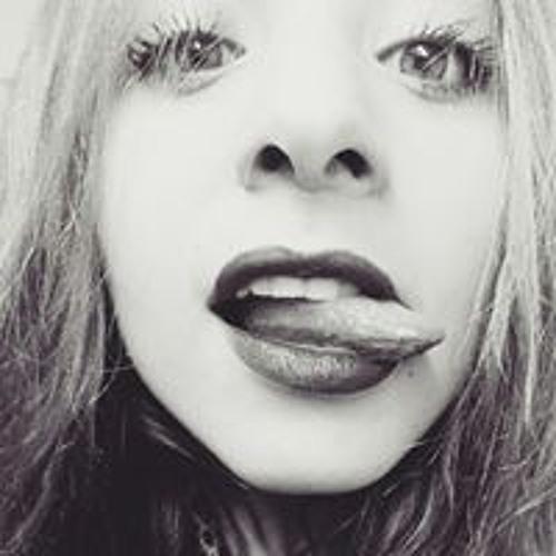 Veronica Trinidad A's avatar