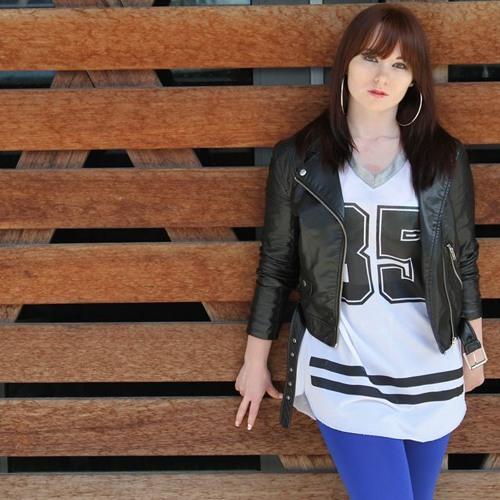 Christa Carolina's avatar