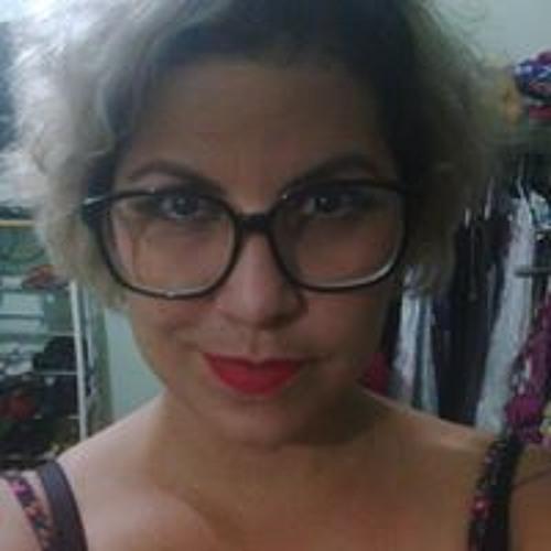 Carol Aragão's avatar