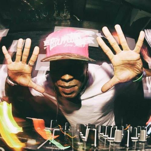 DJ Roy Le Freak's avatar