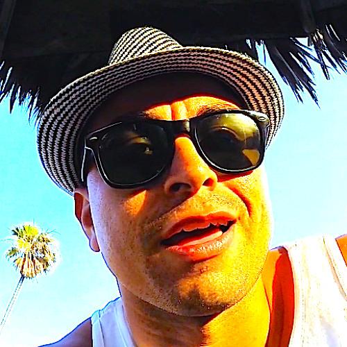 DJ Fonixxx's avatar