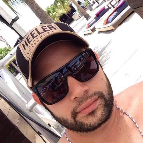henriquetls's avatar