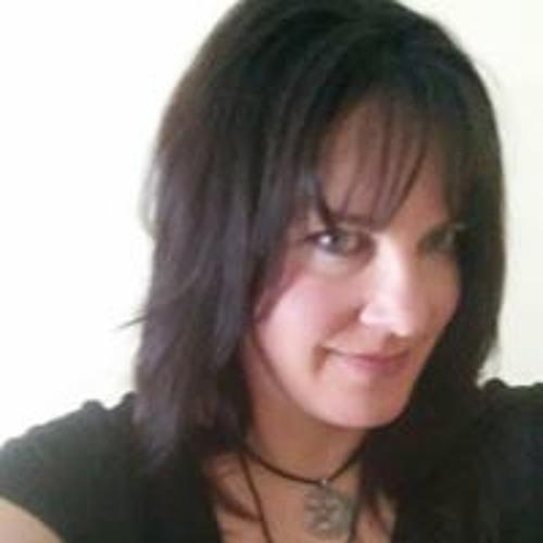 Crystal Lailer's avatar