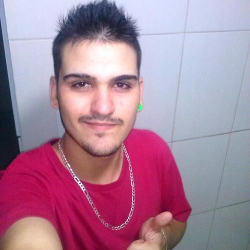 Carlos Rubens's avatar