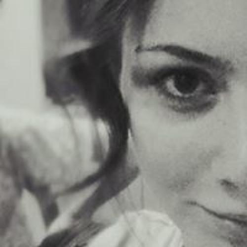 Daniela W. Dnkha's avatar