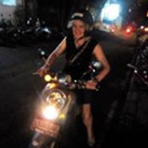Shahzadi L McCarty's avatar