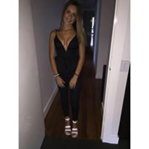 Julia Roumel's avatar
