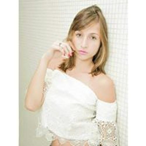 Letícia Pimenta's avatar