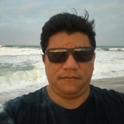 Roberto Brito's avatar