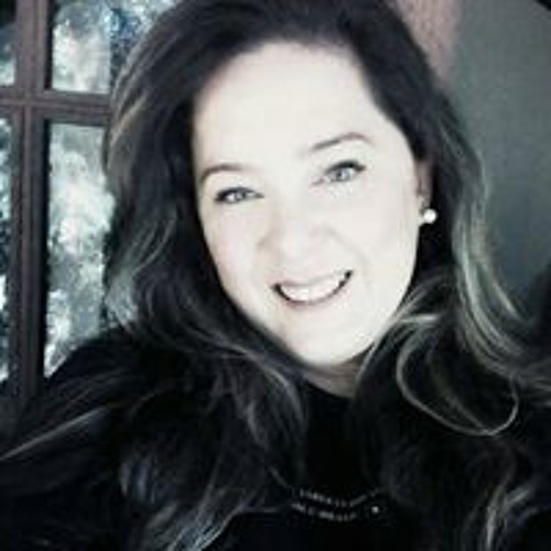 Ana Caz Brennand's avatar