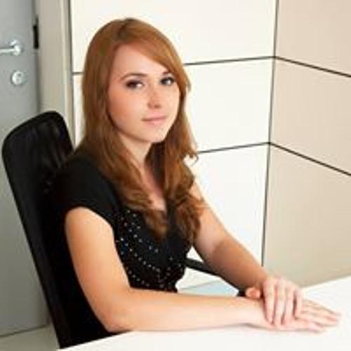 Adriana Marin's avatar