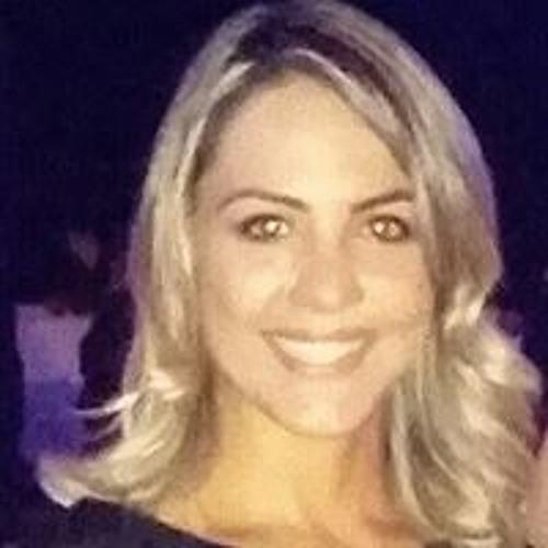 Luciana Reis's avatar