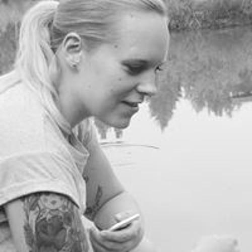 Elena Nele's avatar