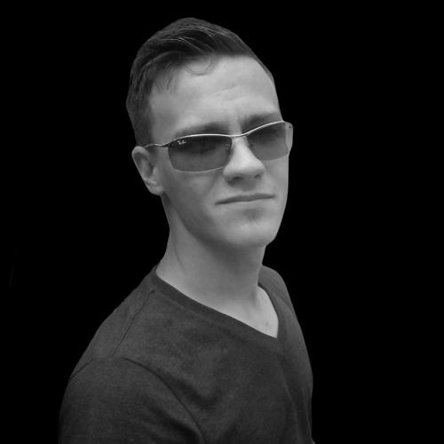 Zmai Van House's avatar