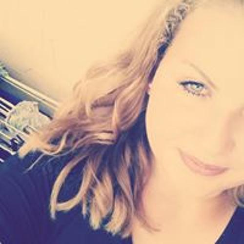 Latisha Lang's avatar