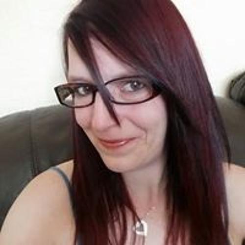 Hayley Moore's avatar