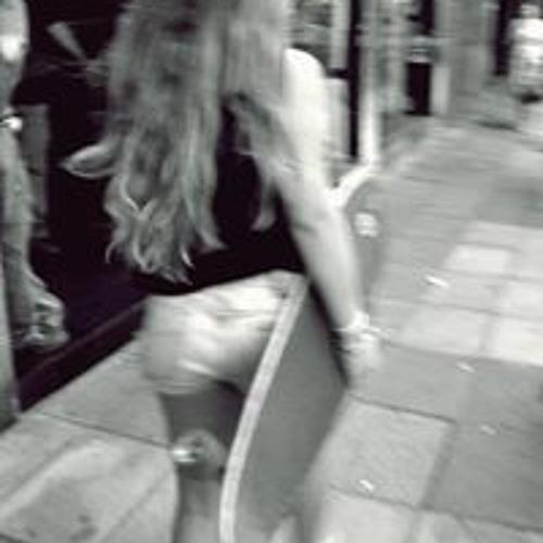 Emi Pizzo's avatar