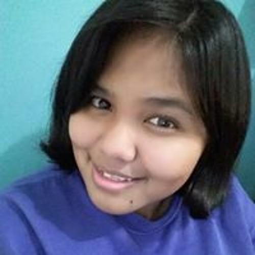 Alexandra Yom's avatar