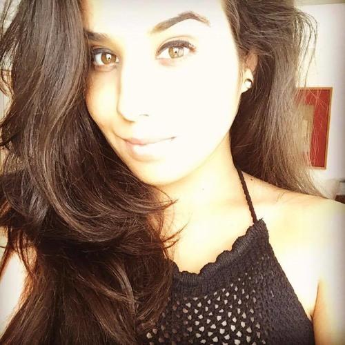 Mari Canto's avatar