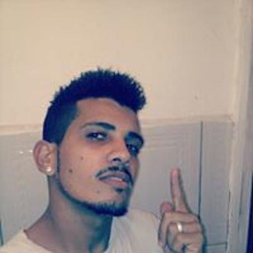 Yae Rangel Carvalho's avatar