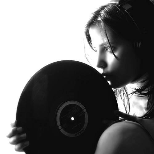 Eva Silvestre's avatar