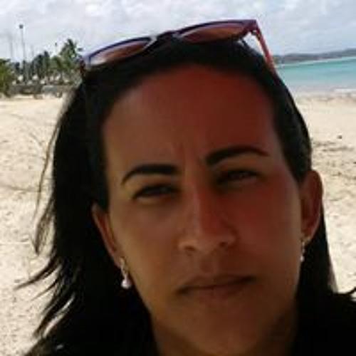 Patricia Gomes Gomes's avatar