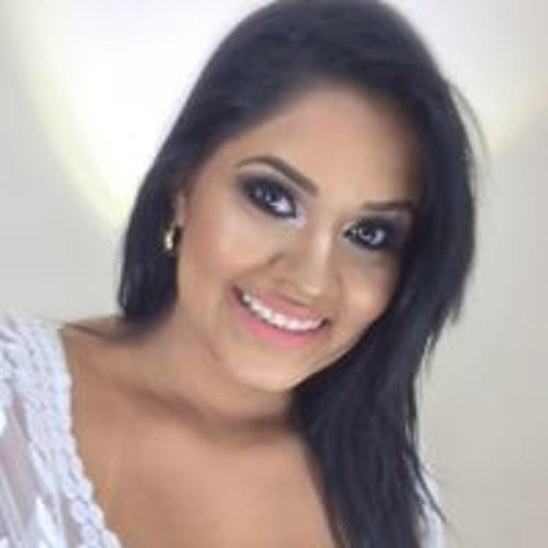 Luana Duarte's avatar