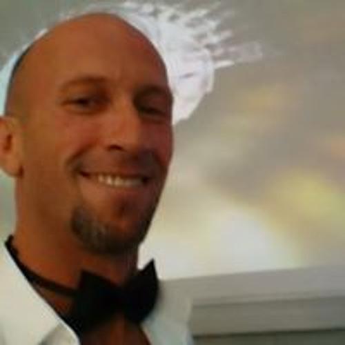 Rene Rubio's avatar