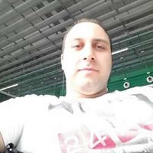 Faryar Es's avatar