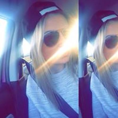 Lisa Groom's avatar