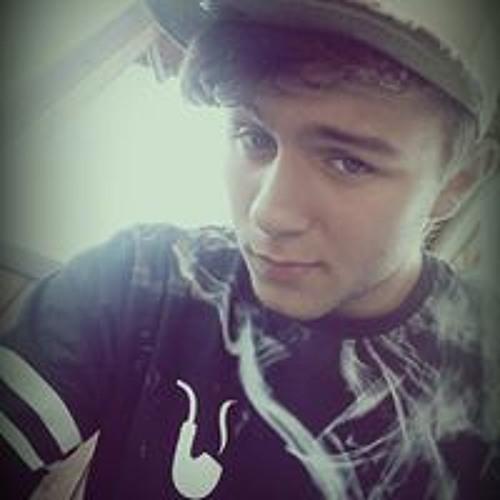 Adrian Komar's avatar