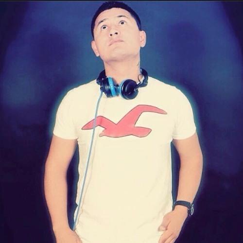 Luis Mendoza's avatar