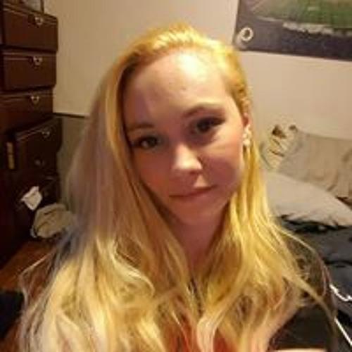 Amber Ashley's avatar