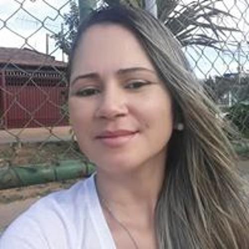 Luciana Vidal's avatar