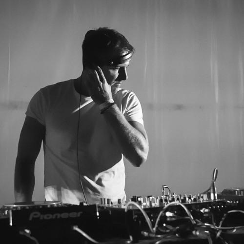 DJ CONTE (RI5E & 5HINE)'s avatar