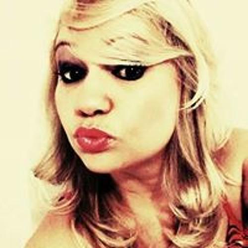 Polly Barbosa's avatar