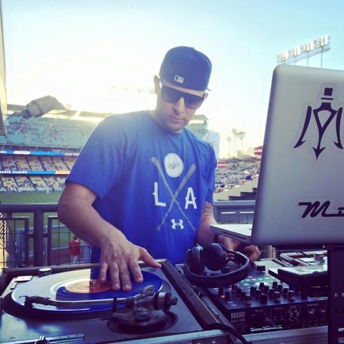 DJ MOCHEE's avatar
