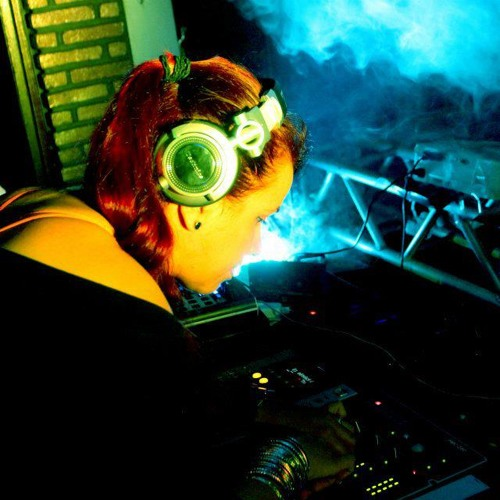DJ Pink Melody ♫'s avatar