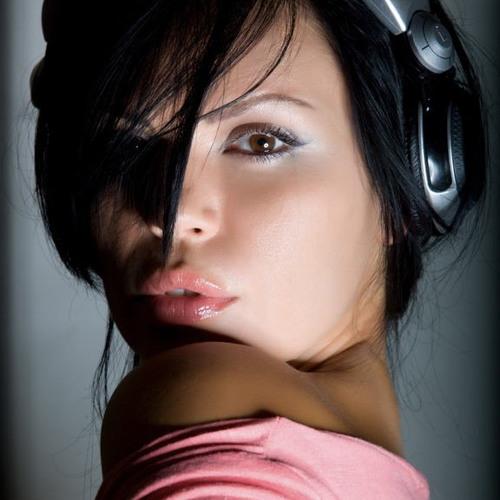 Miss OLee's avatar