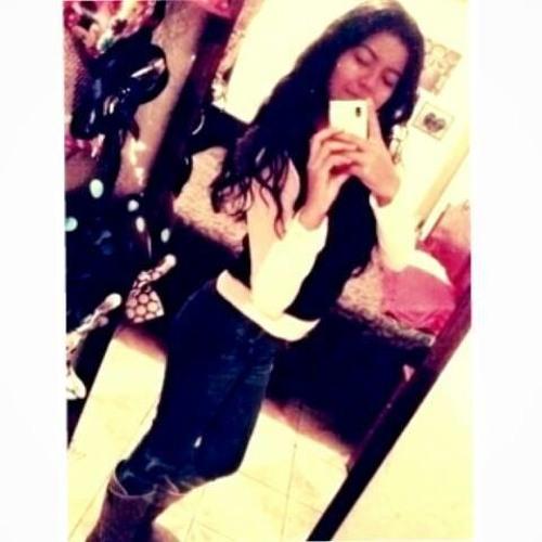 Trish Dealba's avatar