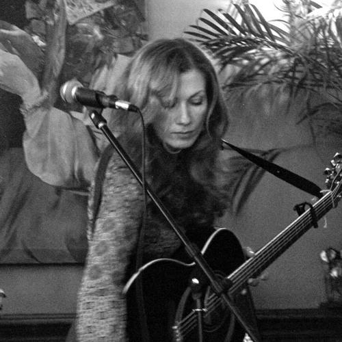 Lorraine Anne Wood's avatar