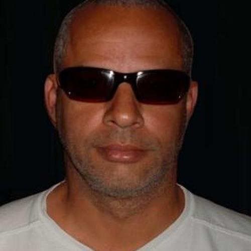 Leo Caetano's avatar
