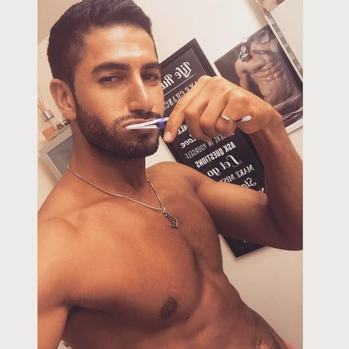 Mehdi Owen's avatar